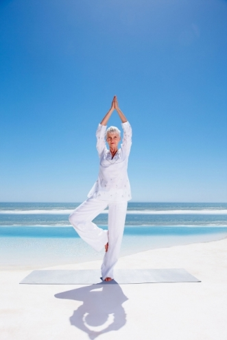Elderly_Yoga